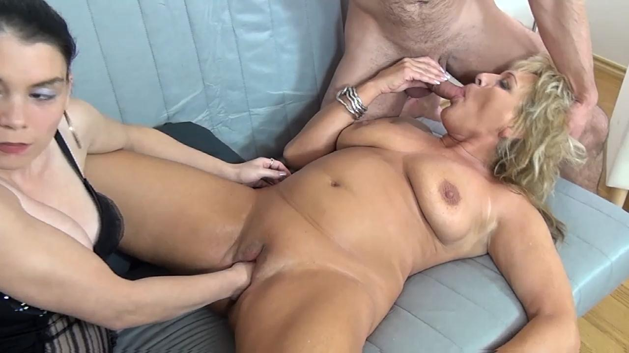 Amateur couple first time fucking on camera 7