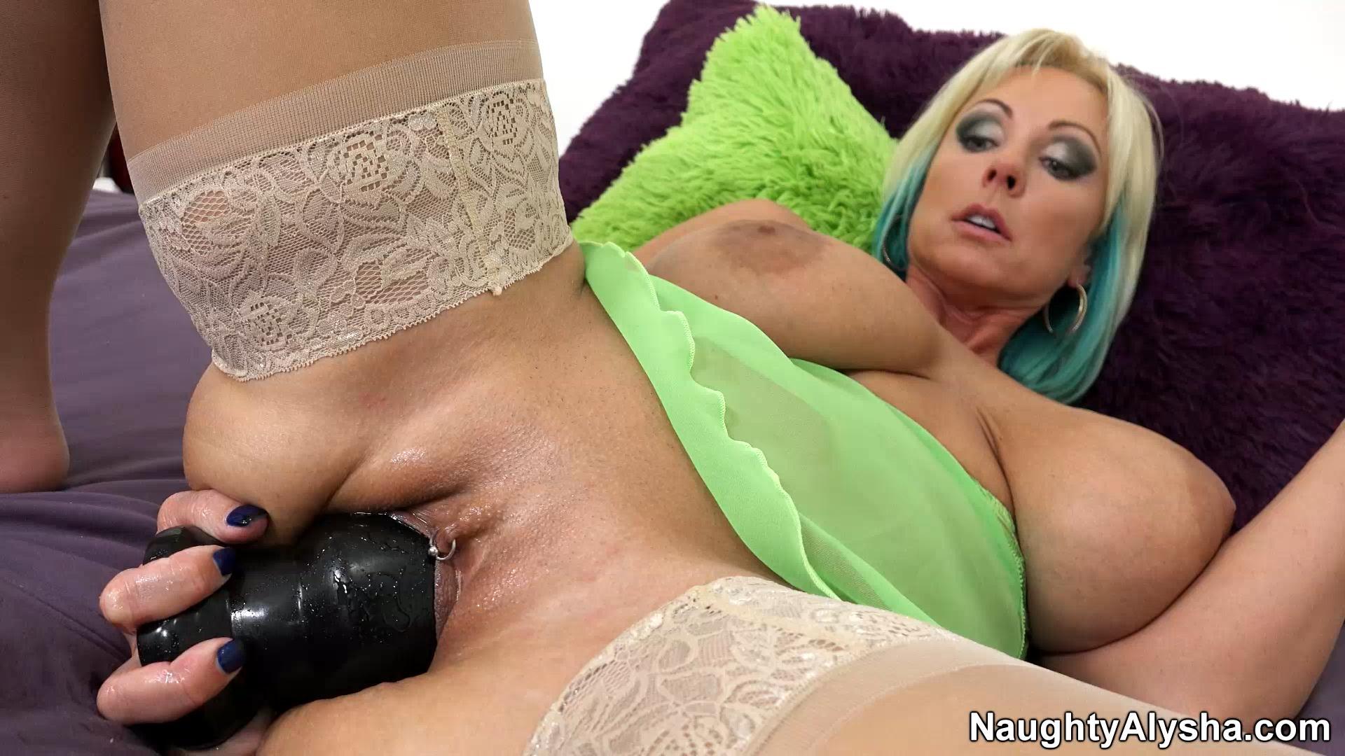 gal gadot naked breast